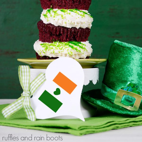 adorable St Patricks Day tag made with free Irish flag svg with heart