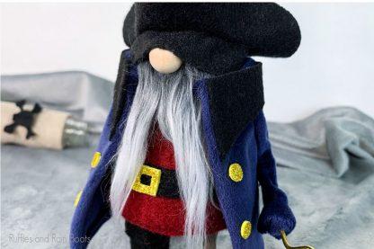 easy no-sew pirate gnome pattern