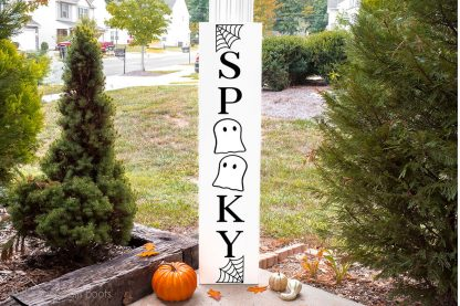 vertical porch sign cut file set that says Spooky with ghosts