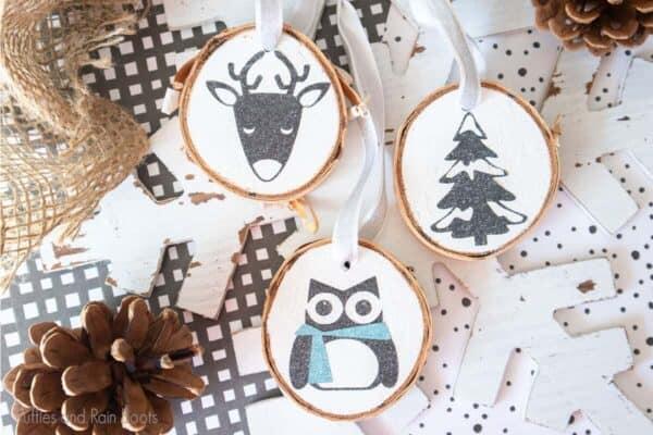 Winter animal and christmas tree Cut File Set on wood slice ornaments