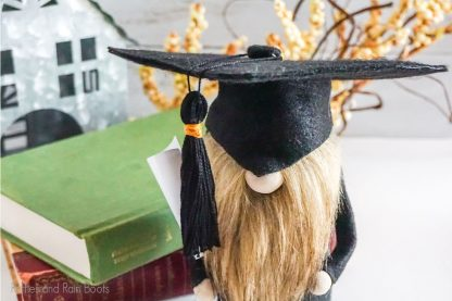 gnome graduation hat pattern